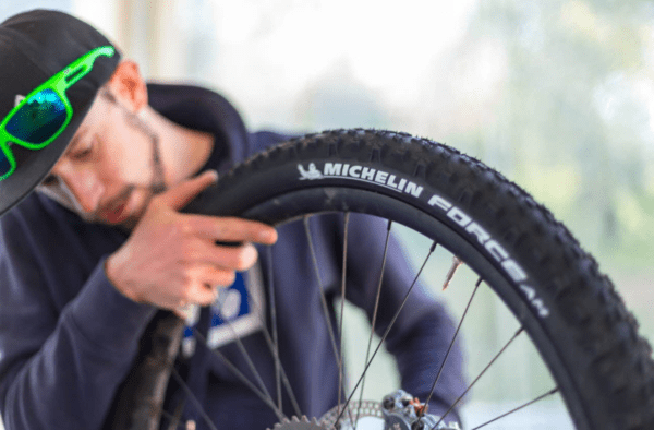 Using the Mountain bike Service Kit