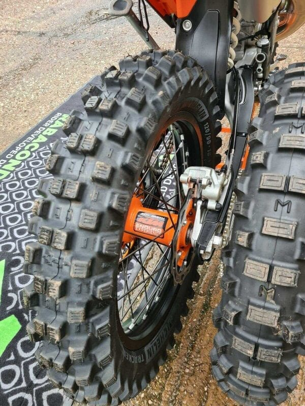 Tracker Tyres | Front